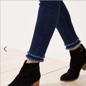 Loft dbl frayed hem straight leg jeans size 28/6
